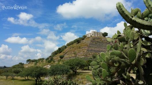 Pyramide El Cerro Pueblico